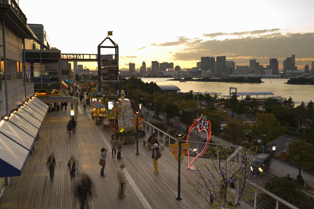 DECKS デックス東京ビーチ