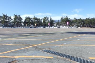駐車場はわかりやすい目印があります。