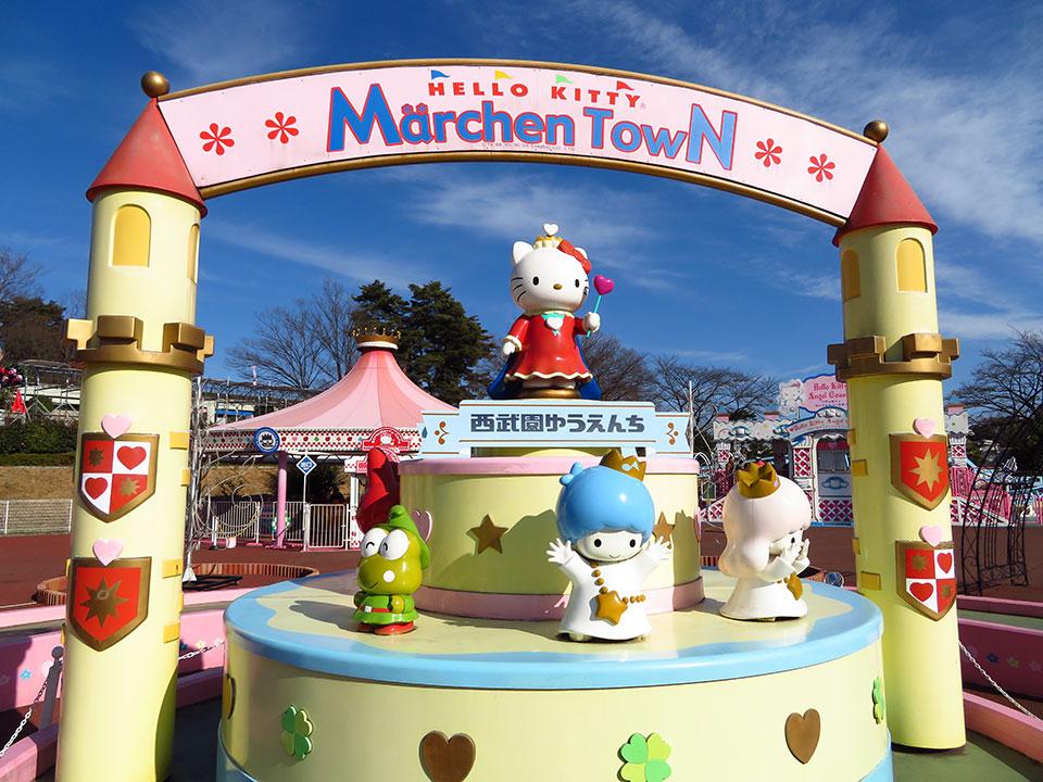 カワイイがいっぱい!サンリオキャラクターに囲まれた「メルヘンタウン」
