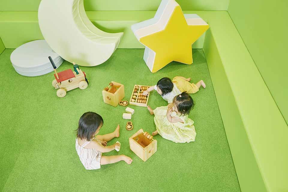 赤ちゃん専用プレイエリア&BABY ROOM