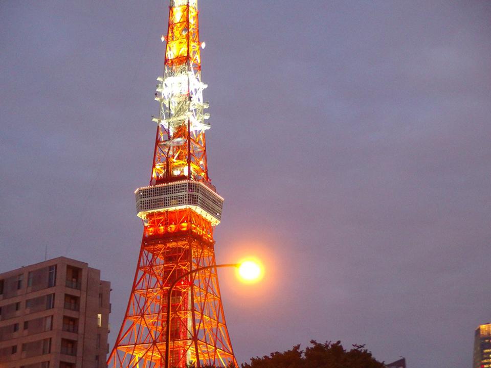 季節、イベントによって姿を変える、東京タワーのライトアップ