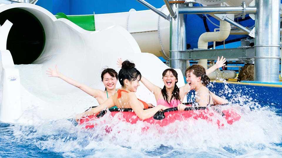 スパワールド世界の大温泉 ウォータースライダー