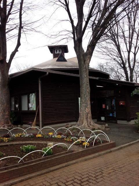 横浜市境之谷公園こどもログハウス