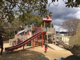 亀山公園「ふれあい広場」