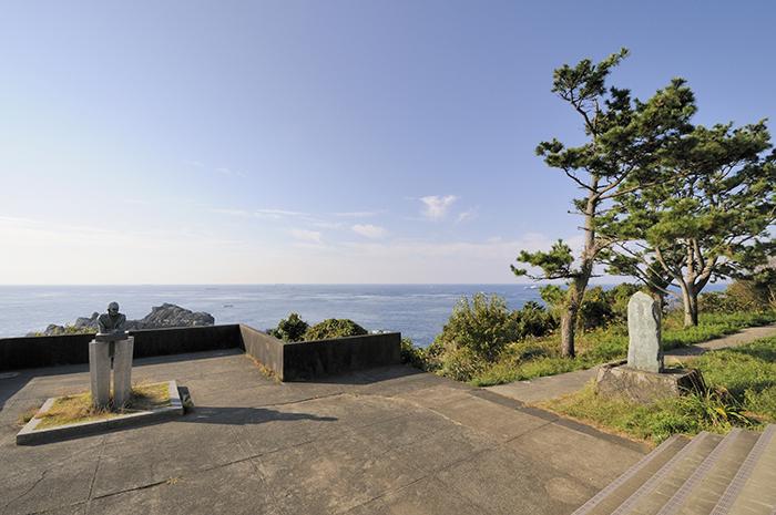 潮岬観光タワー・望楼の芝