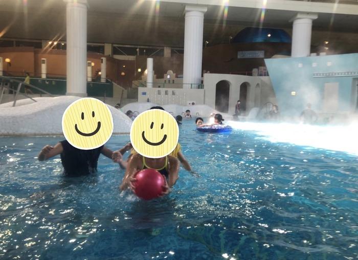 プールも温泉も!